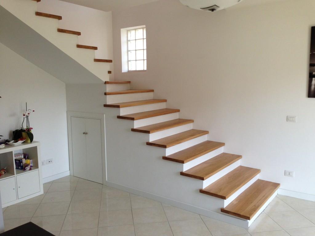 Rivestimento in rovere solo pedata jamar snc scale in legno - Scale per appartamenti ...