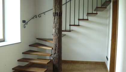 Scale autoportanti a sbalzo archives jamar snc scale - Scale autoportanti in legno ...